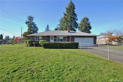 Pierce County Single Family Home For Sale: 10716 Douglas Dr SW
