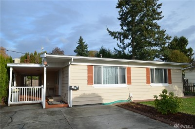 Renton Single Family Home For Sale: 658 Camas Ave NE