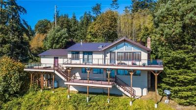 Oak Harbor Single Family Home For Sale: 4420 Jones Rd