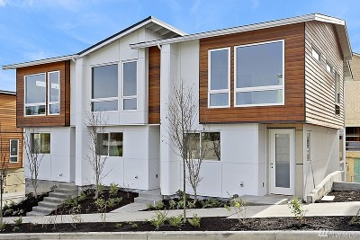 Seattle Single Family Home For Sale: 8612 22nd Place NE