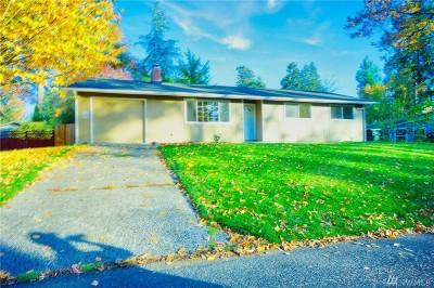 Single Family Home For Sale: 806 Oakcrest Dr SE