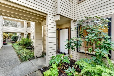 Issaquah Condo/Townhouse For Sale: 22244 SE 42nd Lane #1058