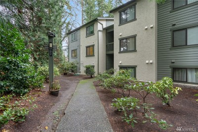 Kirkland Condo/Townhouse For Sale: 12721 NE 129th Ct #F201