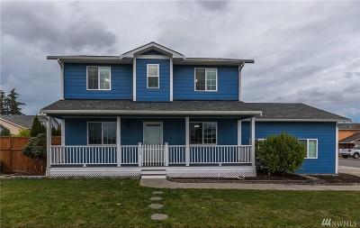 Oak Harbor Single Family Home For Sale: 210 NE 10th Ave
