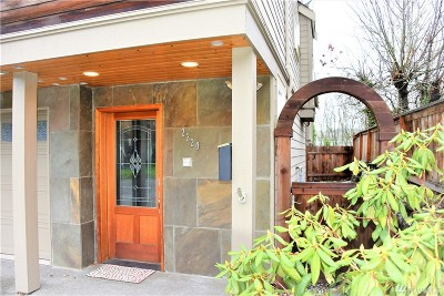 Seattle, Bellevue, Kenmore, Kirkland, Bothell Single Family Home For Sale: 2320 Thorndyke Ave W