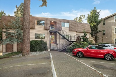 King County Condo/Townhouse For Sale: 7217 NE 175th St #106