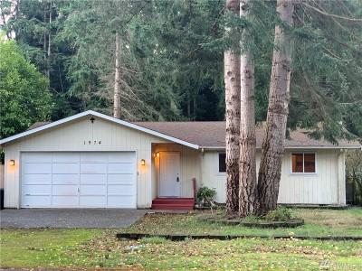 Freeland Single Family Home For Sale: 1974 Beachwood Dr