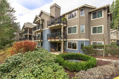 Bothell Condo/Townhouse For Sale: 19404 Bothell Wy NE #B101