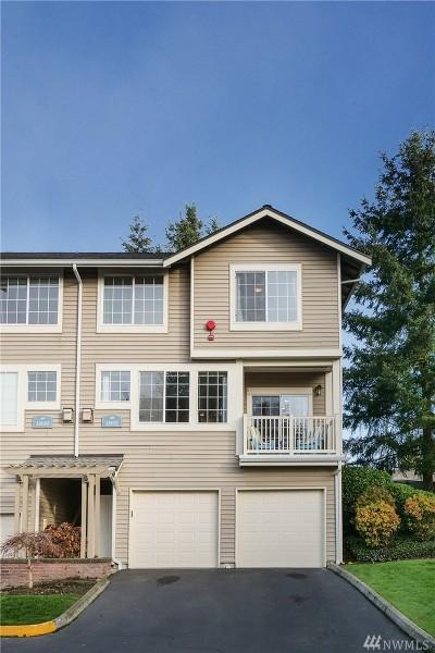 Redmond Condo/Townhouse For Sale: 18652 NE 57th Wy