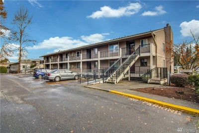 Lynnwood Condo/Townhouse For Sale: 20101 61st Place W #E105