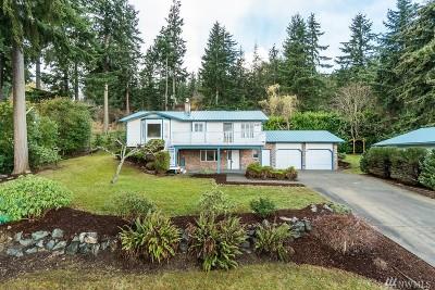 Oak Harbor Single Family Home For Sale: 5047 Evergreen St