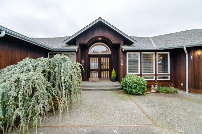 Camano Island Single Family Home For Sale: 135 S Glacier Peak Dr