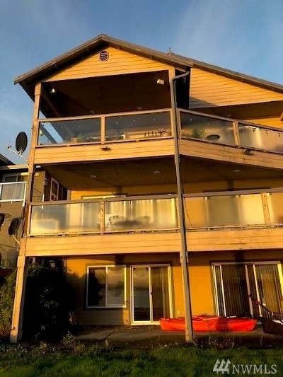 Port Orchard Multi Family Home Pending Inspection: 8137 E Daniels Lp