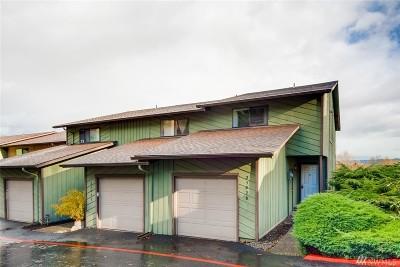 Kent Single Family Home For Sale: 25028 Lake Fenwick Rd #21