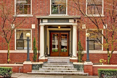 Seattle Condo/Townhouse For Sale: 615 Boren Ave #16