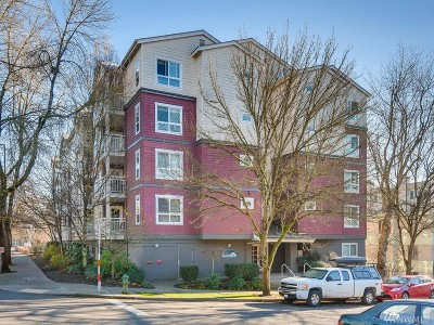Seattle Condo/Townhouse For Sale: 2805 NE 125th St #404