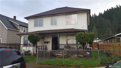 Centralia Multi Family Home For Sale: 230 S Diamond