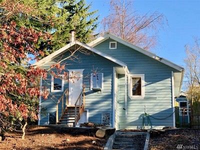 Seattle Single Family Home For Sale: 2710 49th Ave SW