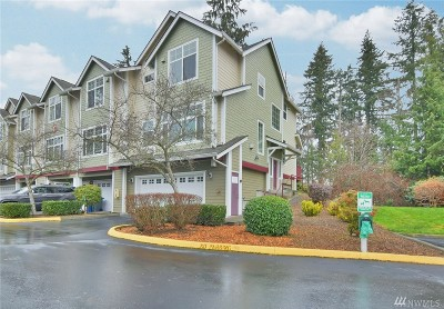Everett Condo/Townhouse For Sale: 13000 Admiralty Wy #G105