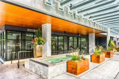 Bellevue WA Condo/Townhouse For Sale: $512,000