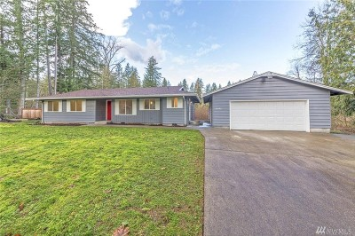 Yelm Single Family Home For Sale: 21802 Meadow Court SE