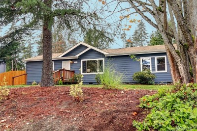Shoreline Single Family Home For Sale: 20111 30th Ave NE #20111
