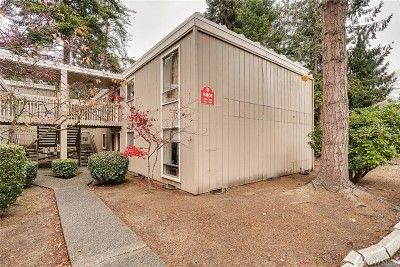 Lynnwood Condo/Townhouse For Sale: 4801 180th St SE #B204