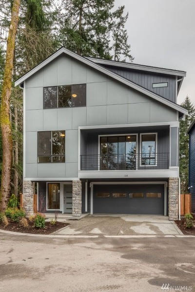 Bothell Condo/Townhouse For Sale: 114 198th St SE #2
