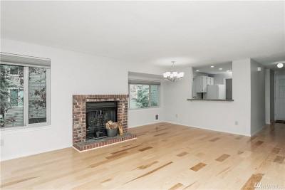Redmond Condo/Townhouse For Sale: 14630 NE 80th Place #B