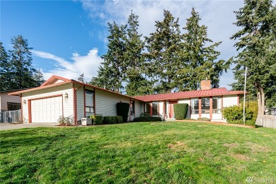 Oak Harbor Single Family Home Sold: 922 SW 2nd Ave