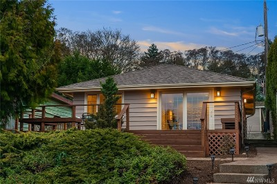 Seattle Single Family Home For Sale: 3034 NE Blakeley St