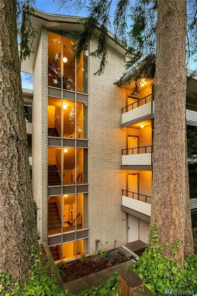 Seattle Condo/Townhouse For Sale: 322 N 134th St #303