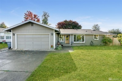 Puyallup Single Family Home For Sale: 926 12th St Ct SW