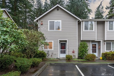 Mountlake Terrace Condo/Townhouse For Sale: 21906 56th Ave W #C4