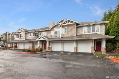 Issaquah Condo/Townhouse For Sale: 5201 238th Lane SE #11-6