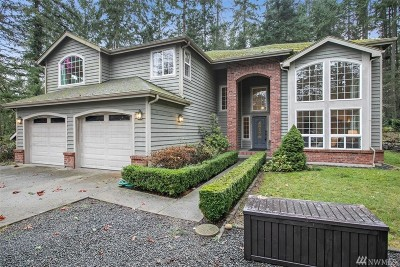 Bainbridge Island Single Family Home For Sale: 8806 Hudson Ct NE