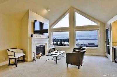 Kirkland Condo/Townhouse For Sale: 5302 Lake Washington #J