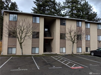 Bellevue Condo/Townhouse For Sale: 16205 NE 12th Ct #E-64