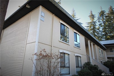 Bellevue Condo/Townhouse For Sale: 10211 NE 16th Place #R 2