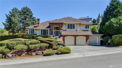Mukilteo Single Family Home For Sale: 6031 Bayview Dr