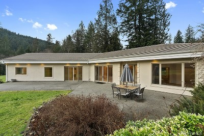 Issaquah Single Family Home For Sale: 12335 Upper Preston Road SE