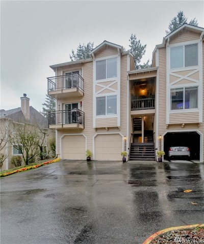 Woodinville Condo/Townhouse For Sale: 17022 128th Lane NE