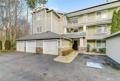 Everett Condo/Townhouse For Sale: 12712 Admiralty Wy #F101