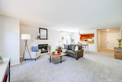 Issaquah Condo/Townhouse For Sale: 3935 226th Place SE #103