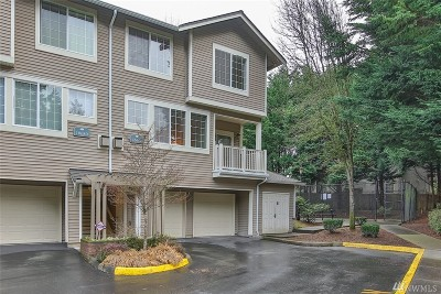 Redmond Condo/Townhouse For Sale: 18682 NE 55th Wy