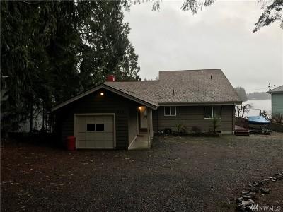 Mason County Single Family Home Pending: 890 E Saint Andrews Dr