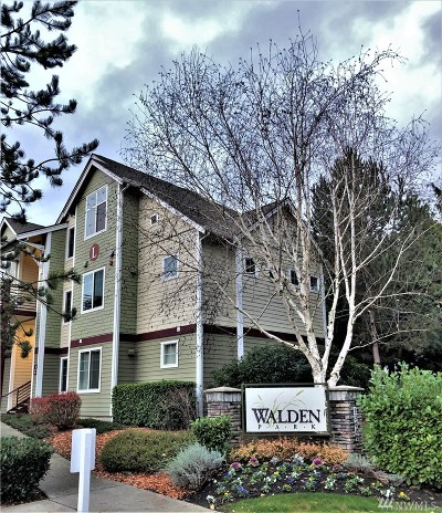Everett Condo/Townhouse For Sale: 13000 Admiralty Wy #L105
