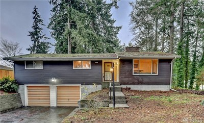 University Place Single Family Home For Sale: 6914 37th St W