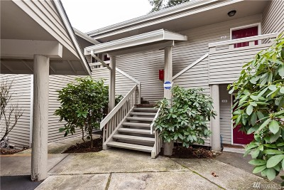 Redmond Condo/Townhouse For Sale: 9009 Avondale Rd NE #I217