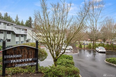 Issaquah Condo/Townhouse For Sale: 230 SW Clark Street #C202